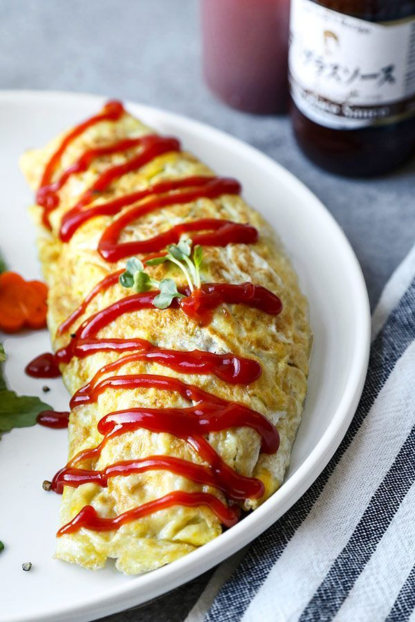 Mejores 1826 imgenes de japanese food recipe en pinterest omurice this omurice recipe is japanese comfort food at its best ketchup flavored fried rice packed with veggies and served inside a fluffy omelette forumfinder Choice Image