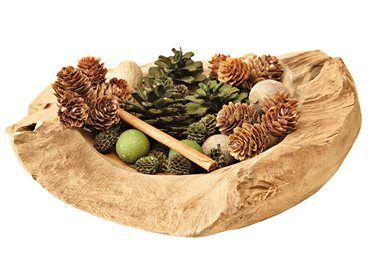 De teakhouten schaal Roots is perfect als basis voor een mooie herfstschaal, door het natuurlijke, houten materiaal. Vul deze schaal met dennenappels, paddestoelen en andere herfstachtige items, en haal zo de herfst in huis!
