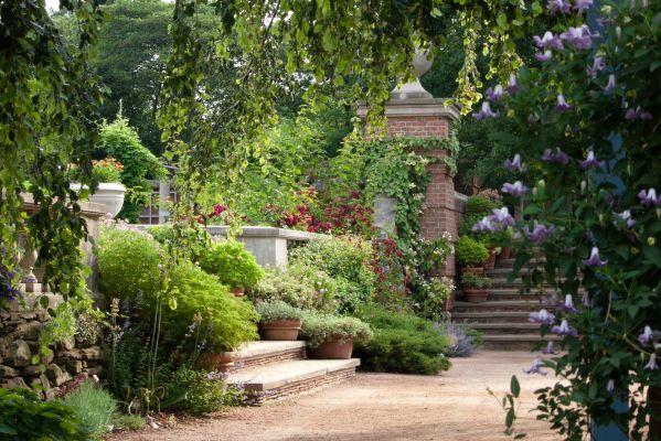 Ogród angielski - sentymentalny klimat, romantyczny nastrój