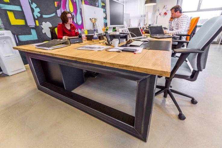 Ontwerp tafel industri le look kantoor inrichting for Tafel ontwerp