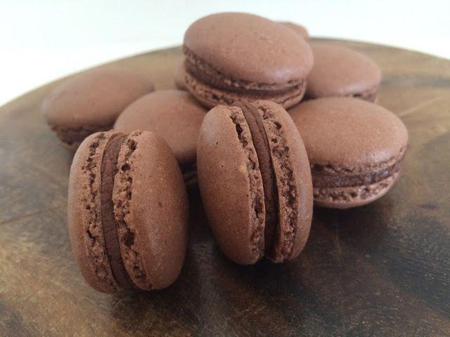 Bage-bloggen: Franske macarons med chokoladesmag uden sirup metoden