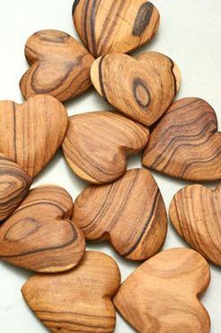 cuori in legno d'olivo