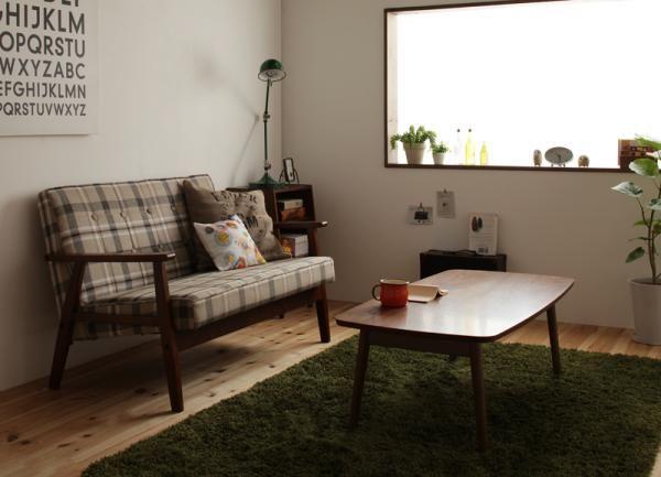 カフェ風コーディネイト実例集 | 一人暮らしのインテリア実例集@インテリアコーディネイトの参考に!カフ風のインテリコーディネイトはおしゃれで人気のインテリコーディネイトです。  こんな感じのお部屋にコーディネイトするには、 ウォールナット素材のテーブルや、木脚のソファの家具を選ぶことです。 カフェ風のお部屋の定番素材ですね!  チェック柄のソファーや壁掛けが何となくレトロな雰囲気の演出していますね!