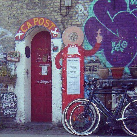 #christiania on today's #throwbackthursday  #socoisasboas #postoffice #Denmark #Copenhaga #Copenhagen #Erasmus #tourist #bicycle #door #red #graffiti #tourist #everybodyhatesatourist #bicicleta #touristmode #ig_europe #igersportugal #igers #p3top #instamood #instagramers
