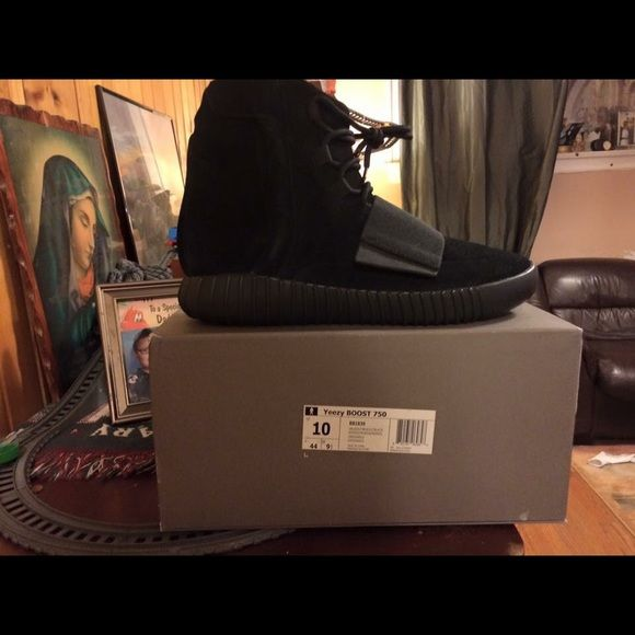 Yeezy boost 750 New with receipt sz 10 Adidas Shoes Sneakers