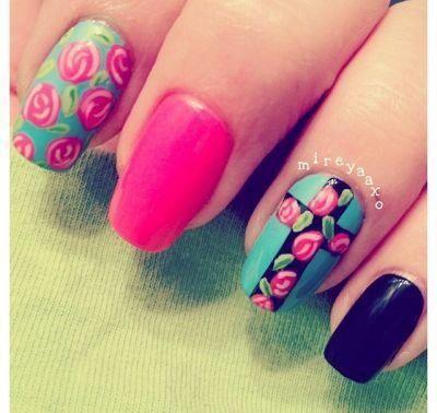 kruis met roosjes zwart roze roosjes blauw