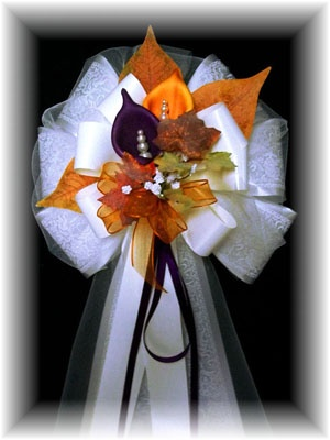 Wedding Pew Bows - Fall and Themed Would be really nice for a front door using burlap ribbon!