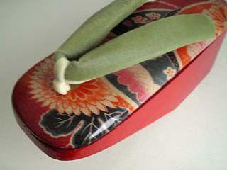 POKKURI CORTED KIMONO-FABRIC ON THE GETA SOUL COLORED BY KAROKARO ORIGINAL