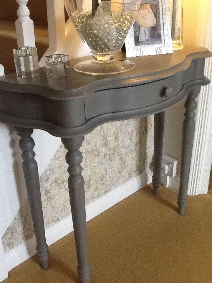 Annie Sloan chalk painted table - 2 parts French Linen, 1 part Graphite, then clear waxed.