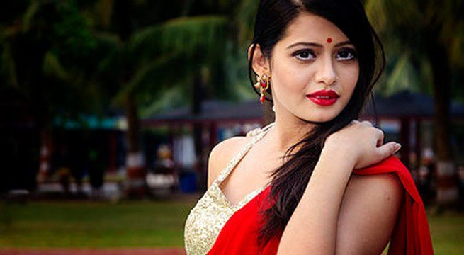 Kolkata: These days, Tollywood actress Ena Saha is busy teaching. She seems to have taken full responsibility of this teaching profession. Does this mean she has left Tollywood? Then did Ena leave the Tolly Para? Has she left her acting profession altogether? You might presume that Ena Saha has...