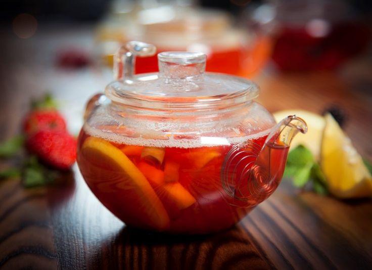 Как спастись от холодов и авитаминоза? Выпить <br /> горячего чаю! Надоел обычный чай с лимоном? Попробуйте <br /> наши интересные и суперполезные рецепты с клюквой, медом, <br /> имбирем и даже вишневым соком.