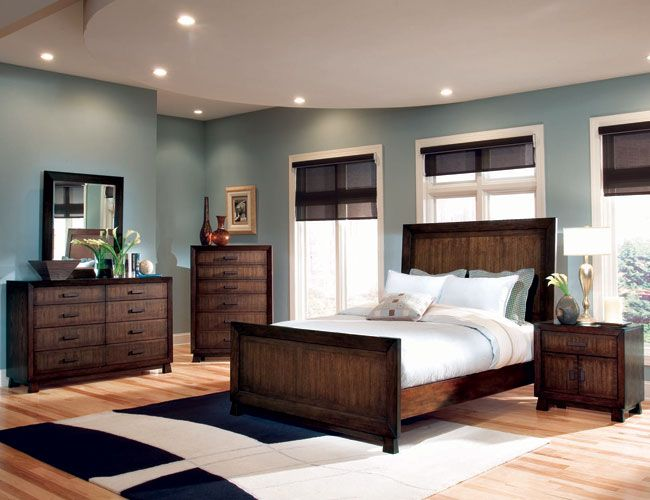 Master bedroom decorating ideas blue and brown bedroom for Master bedroom paint color ideas with dark furniture