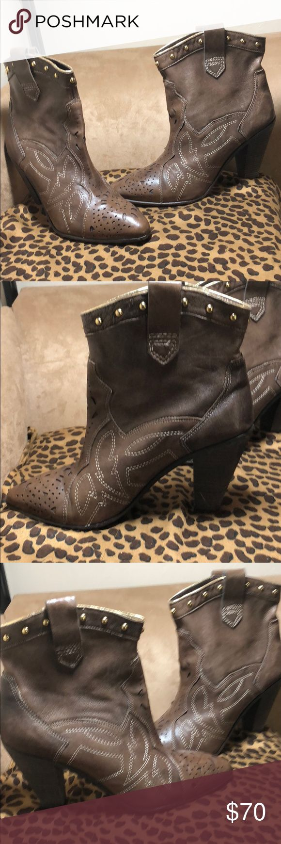 """Hip Brown Carlos Santana boots; gold top 3.5"""" s11 Gotta have Carlos Santana brown leather booties with gold accents at top and 3.5"""" chunky heel worn Once...completely unusual  Work the cowboy and urban thing at the same time...yeah! Sz 11 Carlos Santana Shoes Ankle Boots & Booties"""