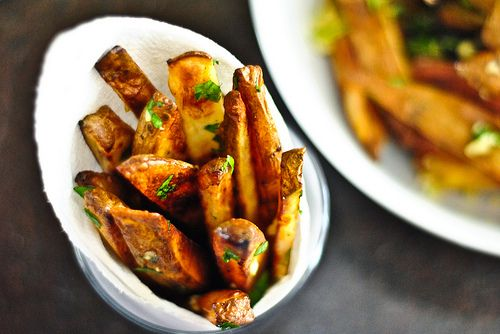 still looking for a good garlic fries recipe.  maybe this will be it.