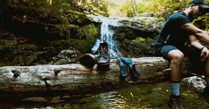 Top 10 Best Hiking Socks of 2017 - Reviews - https://www.thelakeandstars.com/best-hiking-socks/