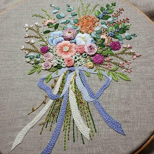 #embroiderydesign #embroiderylicious #stitch #stitching #flowerlovers #handembroidery #stumpwork