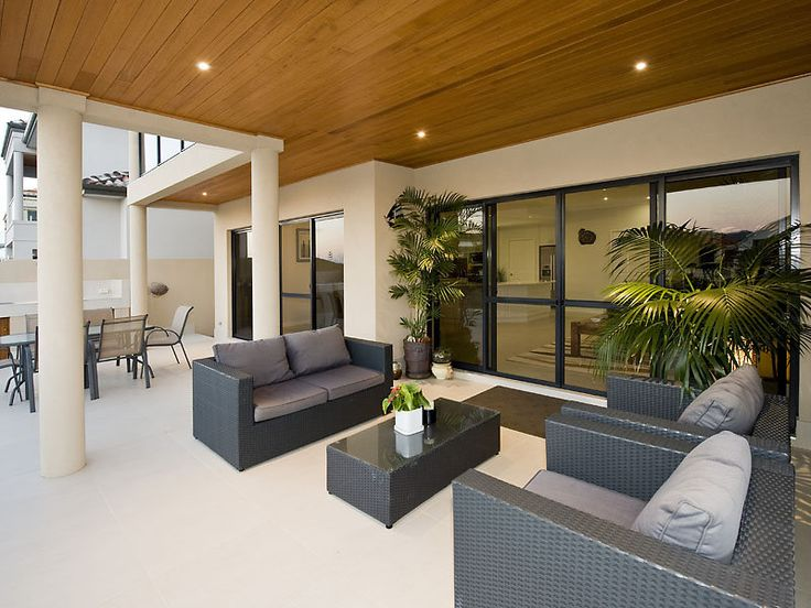 outdoor living areas image: decorative lighting, hedging - 1295289
