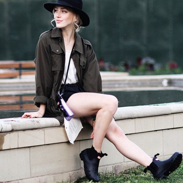 Cool-Girl Rain Boots To Beat The Next Downpour In Style | The Zoe Report