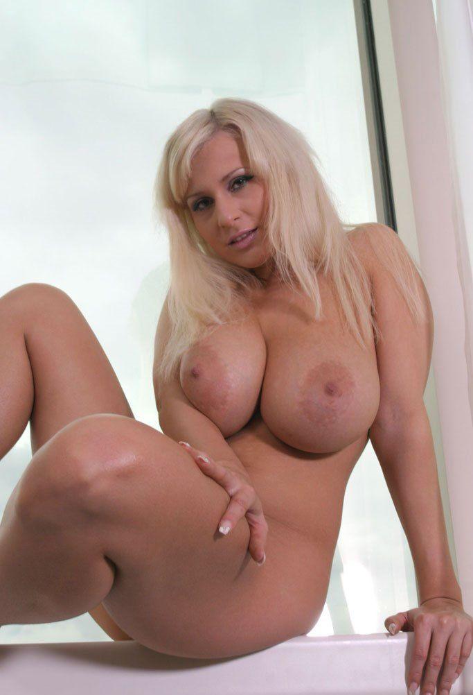 Hot beautiful moms sex xxx 14