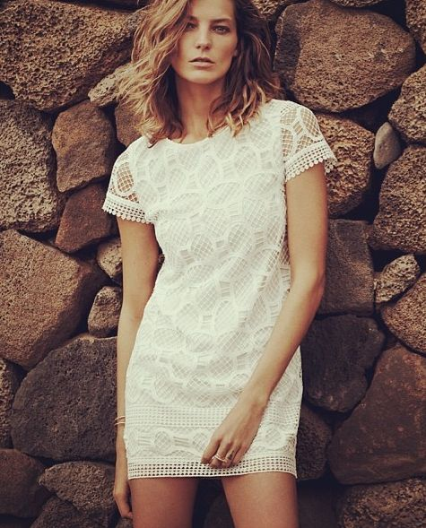 White dress by Mango http://thesaltybloom.blogspot.it/
