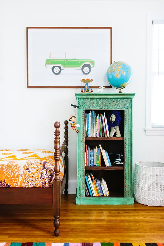 Allie Mood's Lighthearted And Colorful South Carolina Home