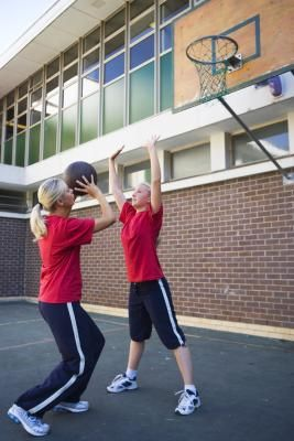 Stretching Exercises For Netball | LIVESTRONG.COM