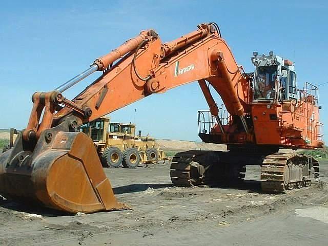 "1997 Hitachi EX1100 3 Excavator    Price:  $260,000.00  Serial #:  17E2046  Arm:  24' 11"" Boom, 11' 2"" Stick  Bucket:  Hensley 8.5 cu w/ teeth & shank pads  Boom front :  210 length 7.55 M,  Stick :  Stick 210 length 3.4 M  Pads:  40%  Rails:  35-40%  Pins & Bushings:  30%  Sprockets :  20-30%  Idlers :  30-40%  Top Rollers :  0-10%  Bottom Rollers :  10-20%  Cummins Diesel Engine :  1,462 hours rebuilt  One Owner:  Good Components  Location:  Dallas TX 75201"