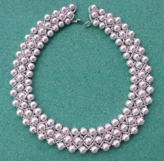 Free pattern for beautiful beaded necklace Sonata            U need:  pearl beads 5-6 mm  seed beads 10/0-11/0  &n