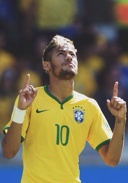"""""""The secret is to believe in your dreams; in your potential that you can be like your star, keep searching, keep believing and don't lose faith in yourself."""" - Neymar Jr"""