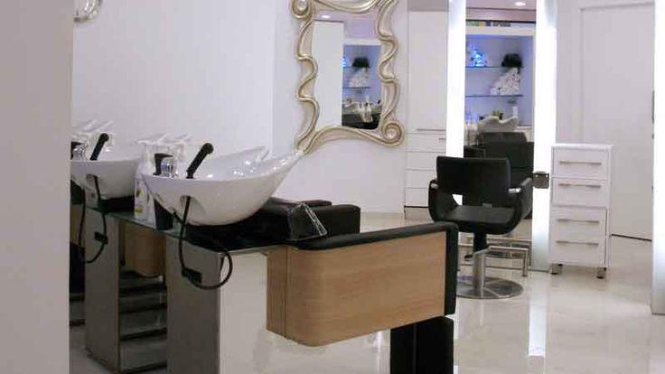 Zona de lavado de cabello en Proyecto de Decoración y Obra de Peluquería María López en Espacios Coruña (A Coruña)