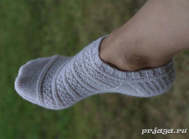 Носочки спицами «Tennarisukka»