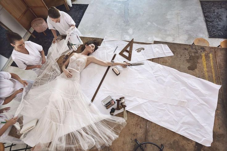 Lihi Hod 2017 Maison des Rêves#wedding #dress #collection Вдохновленная парижским haute couture коллекция израильского дизайнера воплощает в себе #роскошь безукоризненную точность каждого стежка и бескомпромисное качество. #Лукбук коллекции был отснят в #ShenkarCollege - ведущей в #Израиль'е школе #дизайн'а чтобы отразить символическое начало творческого процесса в Maison Des Rêves или Доме мечты #bridemagru #невеста #мода #стиль #модель #платье #свадьба #скоросвадьба #свадебноеплатье…
