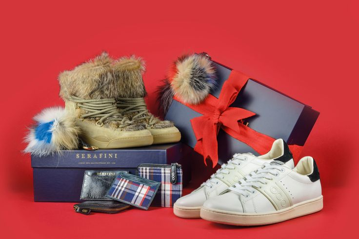 OUR XMAS GIFT TO YOU! Serafini makes your Christmas special with a wonderful gift...ONLY for the first 100 purchases, what are you waiting for? Find out more on serafinishop.com #Serafini #luxury #fashion #shoes #christmas #gift