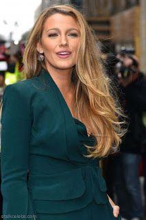 海外セレブスナップ | Celebrity Style: 【ブレイク・ライヴリー】春色メイクにグリーンのノスタルジックなパンツドレスでイベントに登場!