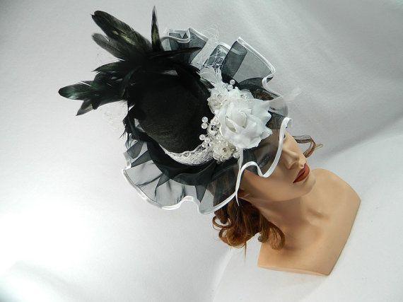 Victoriaanse dames hoed zwart witte Gothic Steampunk door Nashimiron