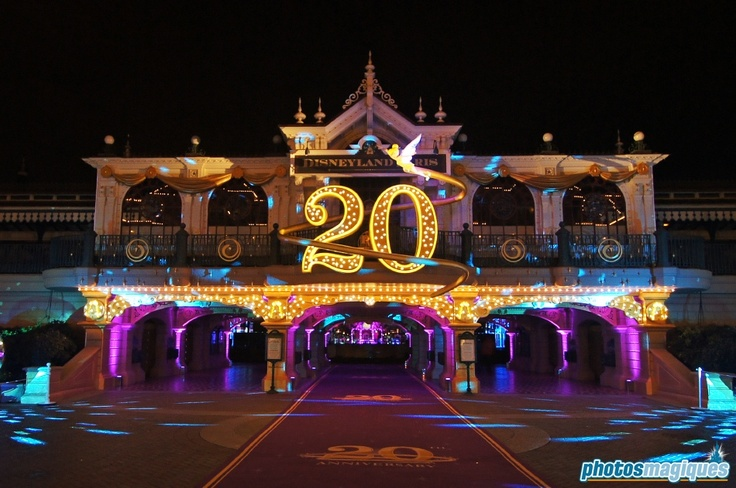 Main Street Station in 20th birthday decoration (source: Photos Magiques)