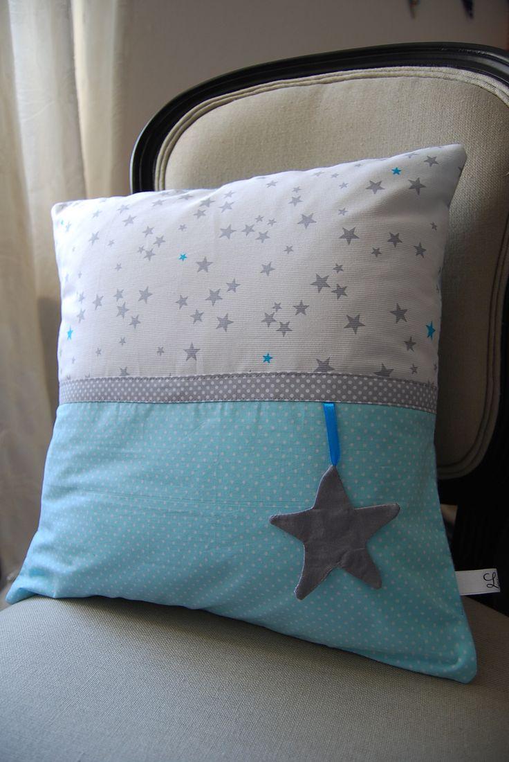 housse de coussin petite étoile grise : Chambre d'enfant, de bébé par lilibilou