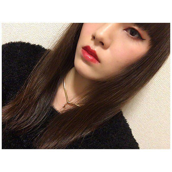今日のメイクは 赤シャドウ赤リップ #今日のメイク #メイク #アイメイク #アイライン #赤シャドウ #目 #赤リップ  #メイク好き #綺麗になりたい #自分磨き #モデル #被写体 #TodaysMake #makeup #eyemake #eyeline #redshades #redlips #eyes #Japanese #Japanesegirl #Japanesebeauty #asian #model #beauty #selfie by ri__naa5