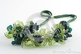 Resultado de imagen de gioielli di plastica riciclata