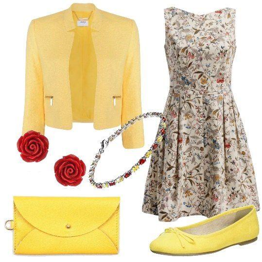 Un vestito in stile retrò con una delicata fantasia a fiori viene proposta con una giacca corta gialla. Il giallo è anche il colore delle ballerine e della pochette. Un braccialetto con pietre gialle e rosse e un paio di orecchini a forma di rosa completano il tutto.