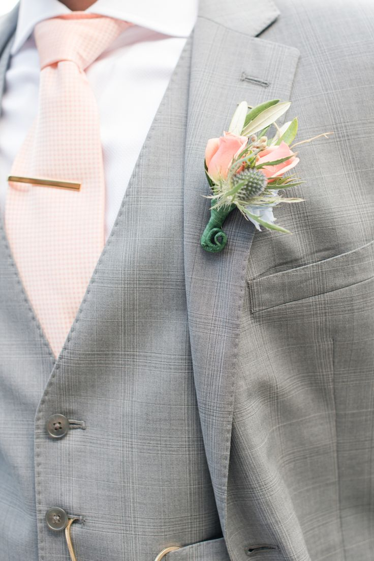 Groom's boutonniere, peach tie, gray three-piece suit, wedding style // Michelle Robinson Photography