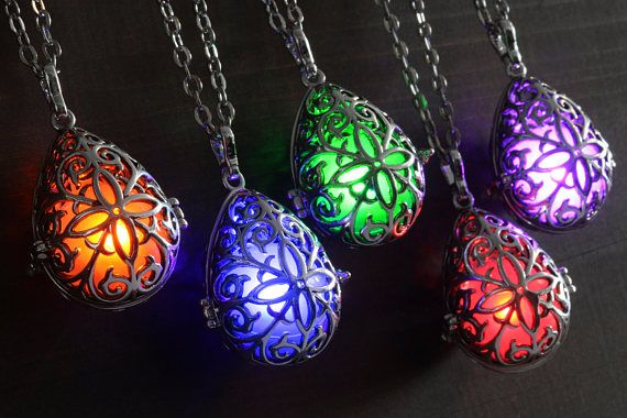 Elvish glowing pendant, Drop shaped necklace, Dungeons and dragons, Elf mage, DnD magic item, includes 2 color of orbs.