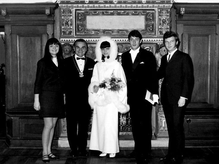 Alicja i Krzysztof Klenczon, ślub - Gdańsk (1967) świadkowie: Ada Rusowicz i Bernard Dornowski.