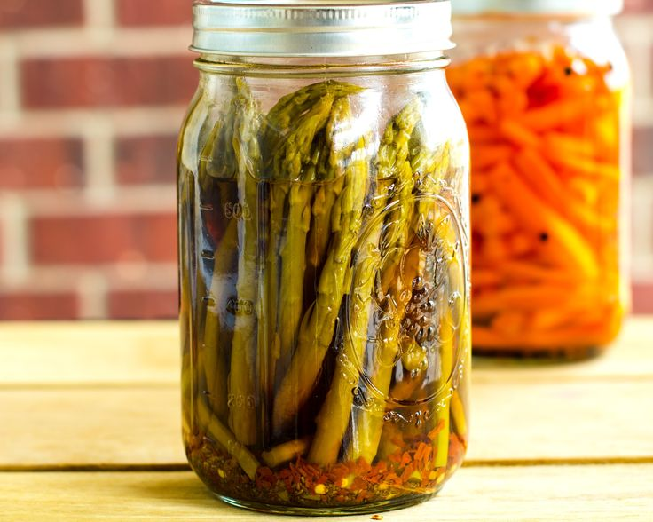 Spicy Pickled Asparagus 1