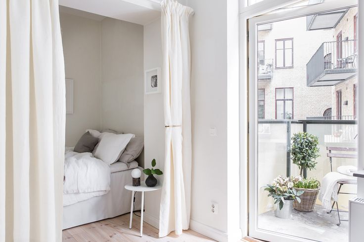 Hidden bedroom - via Coco Lapine Design
