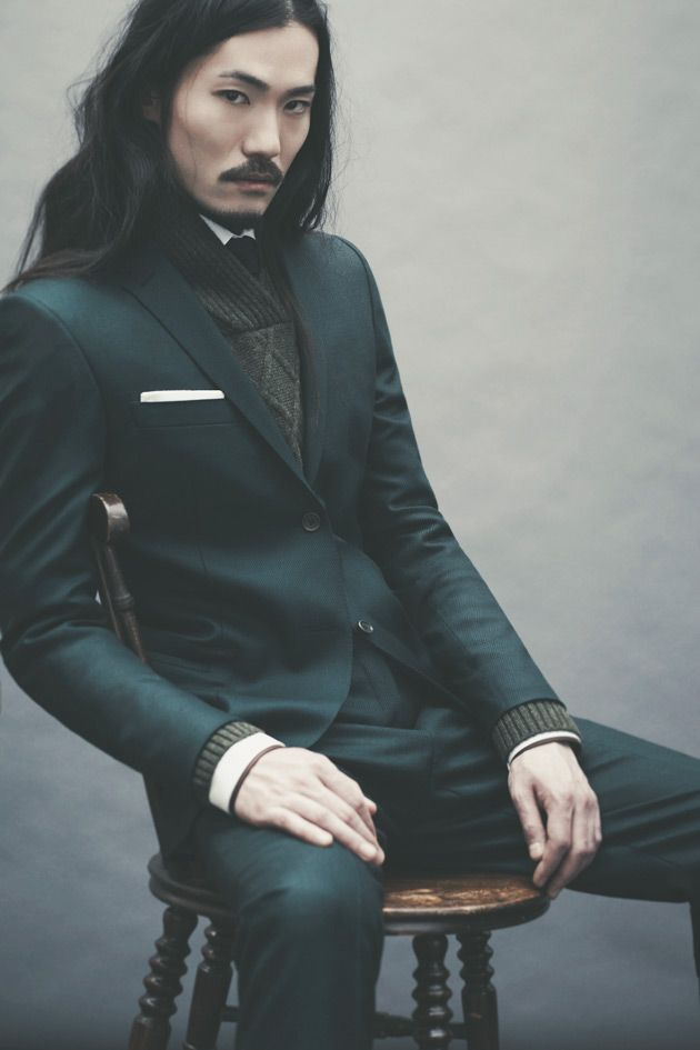 Ozwald Boateng AW12 Collection - Surely this image is mirrored? Buttons on the left, pocket square on the right...