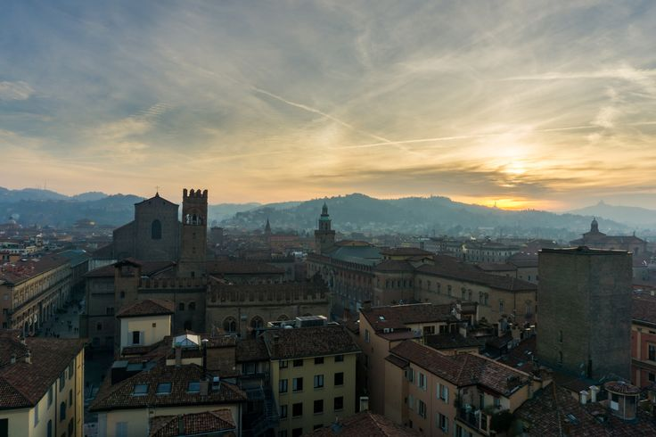 https://flic.kr/p/BwzRzY | Tramonto sui colli bolognesi | Dal campanile della Cattedrale di San Pietro