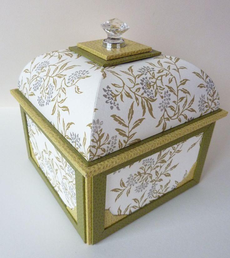 cartonnage : boite mansard réalisée avec le gabarit de Gabriel Ledu www.cadreetdeco.fr
