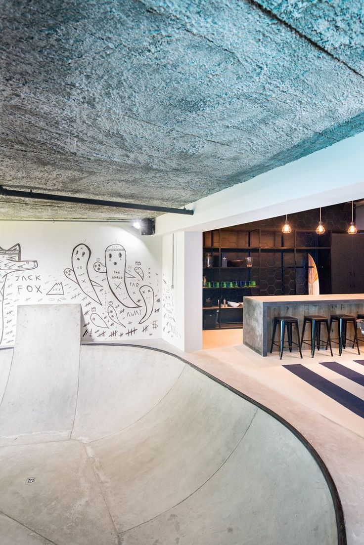 Inhouse Brand Architects has converted the unused lounge area of a Cape Town residence into an industrial-inspired dream pad featuring an indoor skate bowl #livingroom #skateboarding