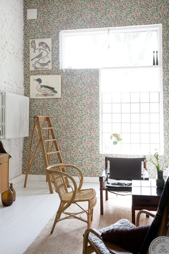 Hemma hos Annacate | Lovely Life William Morris wallpaper everywhere!